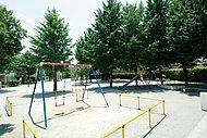 梅島公園 約130m(徒歩2分)