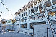 明桜中学校 約590m(徒歩8分)