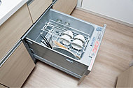 低騒音・省エネを実現した、節水効果のあるコンパクトタイプの食器洗い乾燥機を標準装備しました。※A1・A2・B1・B2・C1・C2タイプを除く