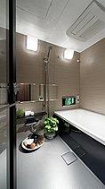 一日の疲れをリセットする、癒しの時間。バスルームは一日の疲れを労ってくれる重要な場所。お気に入りのソファに身体を預けて心からリラックスするように、やさしくフィットする浴槽に身を委ねれば、癒しと深いくつろぎが訪れます。