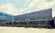 秋田県立美術館 約300m