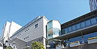 多摩区役所・多摩図書館 約580m(徒歩8分)