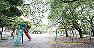 登戸第一公園 約100m(徒歩2分)