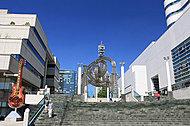クイーンズスクエア横浜 約1,150m(徒歩15分)