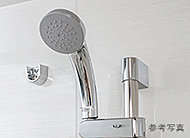 シャワーヘッドに内蔵した羽根車が水圧を上げて、少ない水量でも勢いのあるシャワーを可能にした超節水シャワーです。