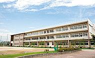 上野ヶ丘中学校 約1,260m(徒歩16分)