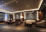 リゾートホテルのロビーラウンジを思わせる、木や石などのマテリアルを採り入れたエントランスホール・ラウンジ。印象的な照明とライブラリーとしても機能する落ち着きある佇まいが、ひとクラス上質な毎日を感じさせてくれます。