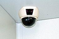 共用部・エレベーター内に防犯カメラを設置。夜の遅い帰宅時や、お子さまが一人でエレベーターに乗る時も安心です。
