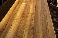 地球環境に配慮した合板と特殊MDFをベースに、高耐久特殊効果シートをプラス。キズや凹みに強く、デザイン性にも優れた床材です。※参考写真