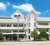 陽東小学校 約600m(徒歩8分)