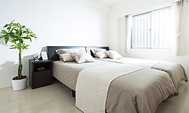 大きめの洋室は主寝室としてゆったりお使い頂けます。