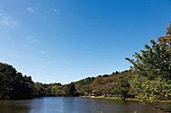 三ツ池公園 約1,550m(徒歩20分)