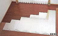 オープンエアスペースはウッド調デッキ仕様。床段差を少なくし、リビング・ダイニングと一体でお使いいただけます。※Aタイプを除く