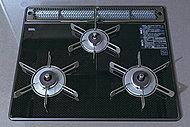 ドイツ・ショット社の耐熱セラミックガラストッププレートを採用しました。熱や衝撃に強く、お手入れしやすい仕様です。