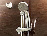 シャワーヘッドに内蔵した羽根車が高速回転することでシャワーの水圧を増幅。心地よさを向上させながら、節湯効果も高めています。