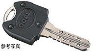 玄関ドアには、複製が困難なリバーシブルディンプルキーを採用しています。