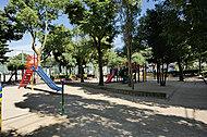 本山南町小公園 約190m(徒歩3分)