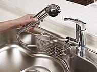 浄水器が一体となった水栓を採用。※浄水器はカートリッジ交換など定期的なメンテナンスが必要となります。カートリッジ交換費用が別途必要です。