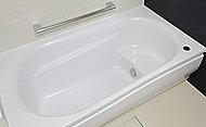 時間を気にすることなく入浴できるよう、4時間後の温度低下を約2.5度以内に抑える魔法びん浴槽を採用。