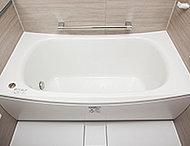 帰宅が遅くなっても追い焚きなしで、すぐにお風呂に入れる魔法びん浴槽を採用。