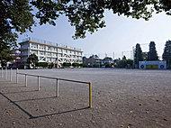 旭町小学校 約560m(徒歩7分)