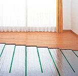 足元から暖め空気を汚さないガス温水床暖房