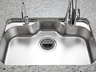 水ハネ音や食器のあたる音を軽減静音シンク
