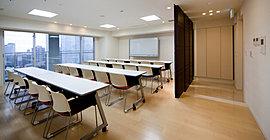サークル活動など様々な用途にお使いいただけるミーティングスペース。