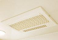 雨の日や夜間でも洗濯物を乾かせる、電気式浴室換気乾燥暖房機を設置。涼風・温風機能で夏も冬も、快適に入浴ができます。