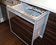家事の手間を大幅に省いてくれる食器洗浄乾燥機を標準装備しました。