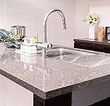 フィオレストーンは約90%が高純度の水晶から出来ています。※「フィオレストーン」はアイカ工業株式会社の登録商標です。
