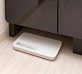 洗面台の下にはヘルスメーターを収納できるスペースを確保。