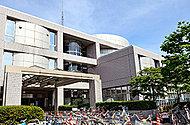 世田谷区立中央図書館 約1,050m(徒歩14分)