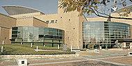 福岡市総合図書館 約2,010m(徒歩26分)