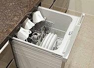 食器洗い乾燥機をビルトイン。しっかりキレイに洗え、ランニングコストも手洗いより断然お得。後片付けも手間取りません。