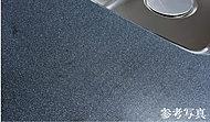 お手入れも簡単で上質でインテリア性の高い人造大理石カウンター。