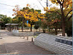 住吉公園 約60m(徒歩1分)