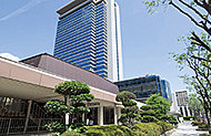 高槻市総合センター/市立中央図書館 約260m(徒歩4分)