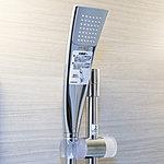 従来のシャワーヘッドより35%の節水(メーカー算定値)を達成しながら、従来通りの浴び心地を実現させたエアインシャワーヘッドを採用しています。
