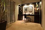 フレキシブルに利用できる洋室は、書斎やホビールームとしての利用も可能