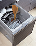 汚れ具合いに応じて4段階の運転コースがあり、効率よく的確に食器が洗え、節水効果も期待できます。