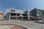 横浜市緑区役所 約2,350m(徒歩30分)