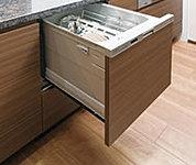 キッチンには食器洗浄乾燥機を標準装備。除菌洗浄、除菌乾燥で食器をすっきり清潔に洗い上げます。