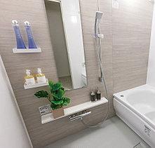 ゆったりと寛ぐことができる快適なバスルーム。