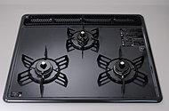 高効率水無しグリルを備えた3口ガスコンロホーロートップは汚れがつきにくく、お手入れも簡単です。