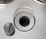 生ゴミを粉砕し、そのまま水で流せるディスポーザシステムにより、いつも清潔なキッチンを実現します。