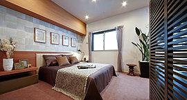 主寝室には引戸を採用し、デッドスペースを無くしました。また室内用物干しポールも設置。