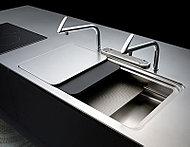 トーヨーキッチンのワークトップは、ステンレスの中でも最高品質の『SUS304』を採用しています。