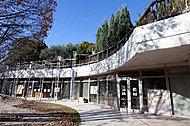 吹田市立江坂図書館 約1,160m(徒歩15分)