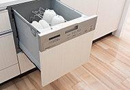 毎日の家事負担を軽減できる、ビルトインタイプのスマートな食器洗い乾燥機をご用意しております。